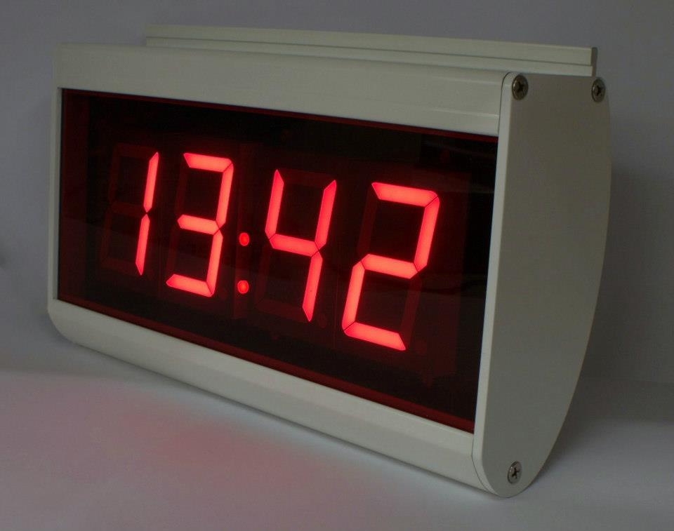 Compacte NTP clock 4 Digits Wifi in Zilver-Grijs of Pearl-White